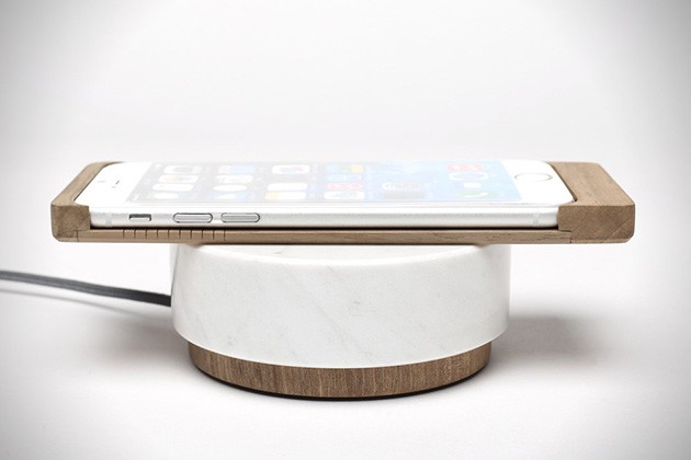 iPhone-6-Wood-Shell-Wireless-Charger-by-Oree-4