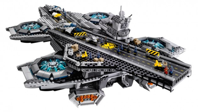 lego_avengers_shield_helicarrier_2