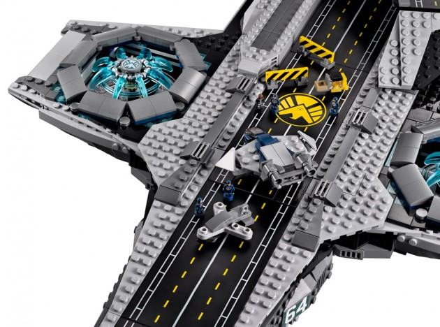 lego_avengers_shield_helicarrier_5