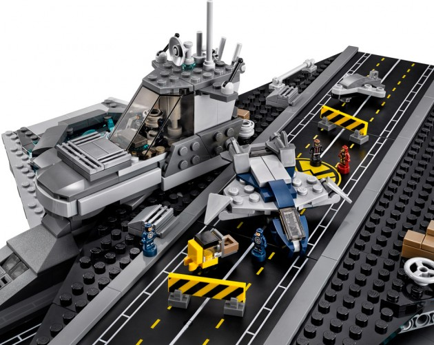 lego_avengers_shield_helicarrier_6