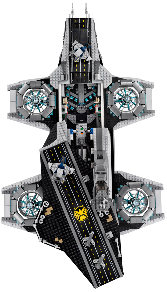 lego_avengers_shield_helicarrier_8