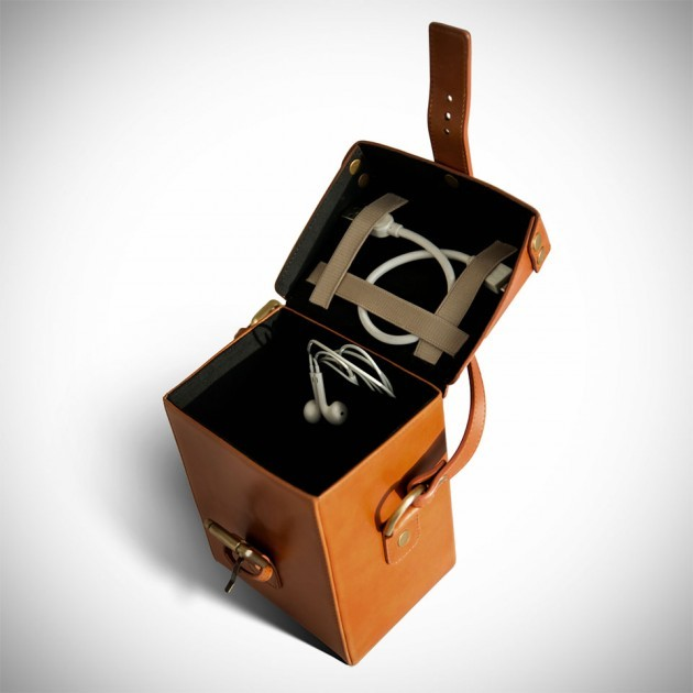 CamCarry-Camera-Bag-by-Chivote-image-3-630x630