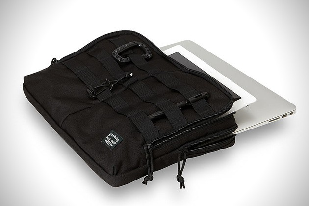 MacBook-EDC-Kit-by-Cargo-Works-3