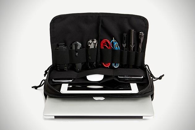 MacBook-EDC-Kit-by-Cargo-Works-4