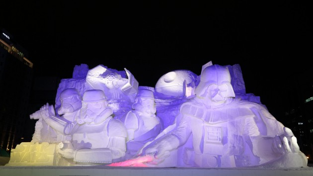 Sculpture-Star-Wars-Sapporo-2015-nuit