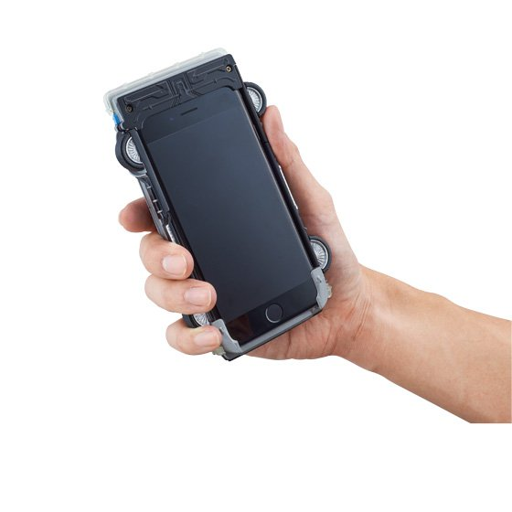 delorean-retour-vers-le-futur-ii-iphone-6-coque-accessoire-6_0230023000796471