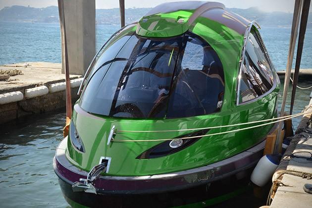 Jet-Capsule-Reptile-Mini-Yacht-3