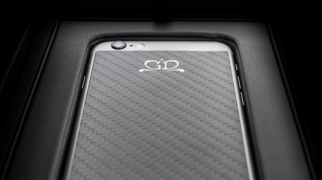 Luxury-iPhone-6-by-Golden-Dreams-Carbon-Fiber-Edition-Black-630x354
