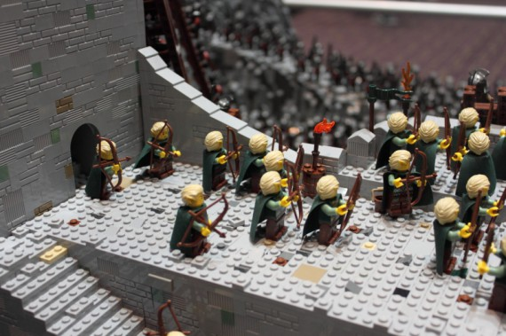 1_1_10_bataille-gouffre-helm-recreee-lego-image