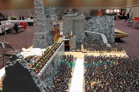 1_1_2_bataille-gouffre-helm-recreee-lego-image