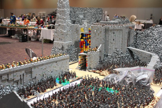 1_1_3_bataille-gouffre-helm-recreee-lego-image