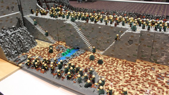 1_1_4_bataille-gouffre-helm-recreee-lego-image