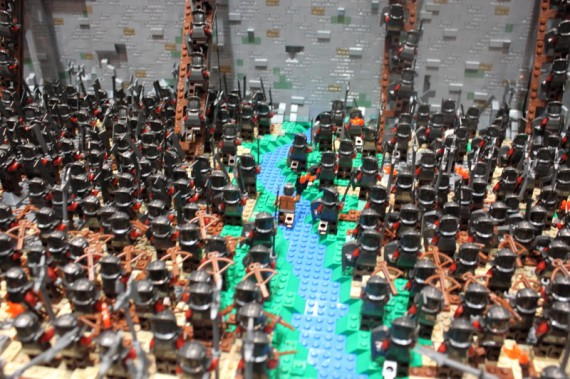 1_1_7_bataille-gouffre-helm-recreee-lego-image