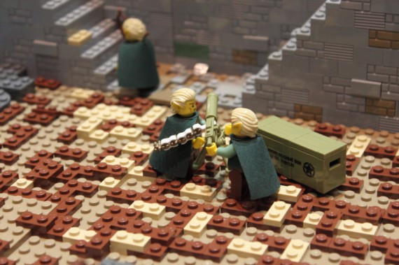 1_1_9_bataille-gouffre-helm-recreee-lego-image