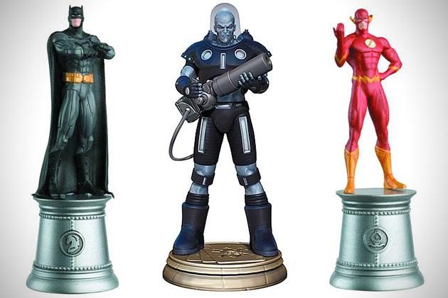 Marvel-vs-DC-Superhero-Chess-Pieces-3