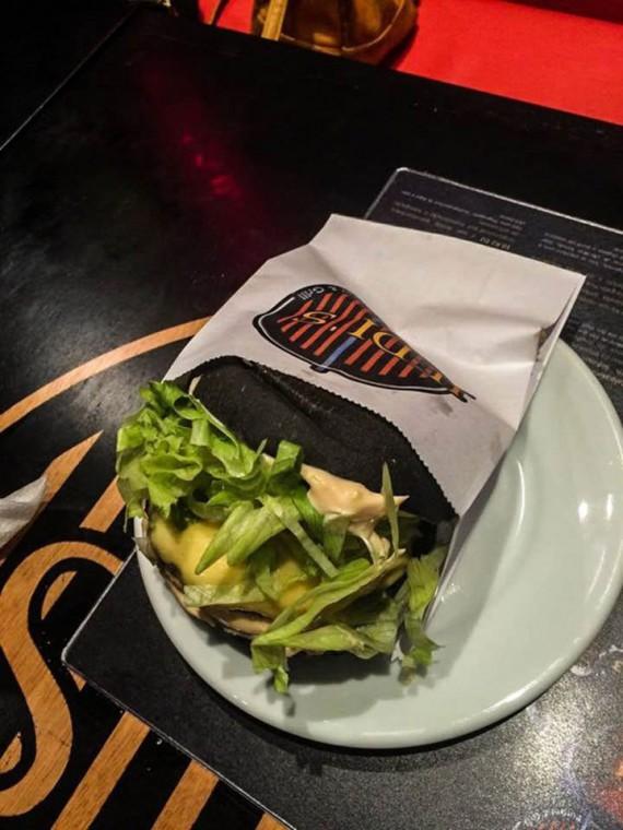 3_1_10_restaurant-star-wars-image