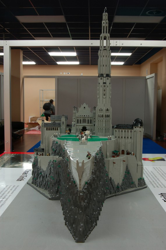 3_1_2_citadelle-minas-tirith-lego
