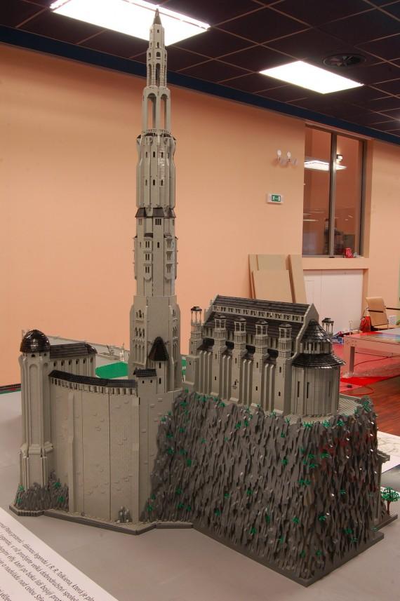 3_1_3_citadelle-minas-tirith-lego