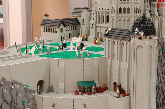 3_1_8_citadelle-minas-tirith-lego