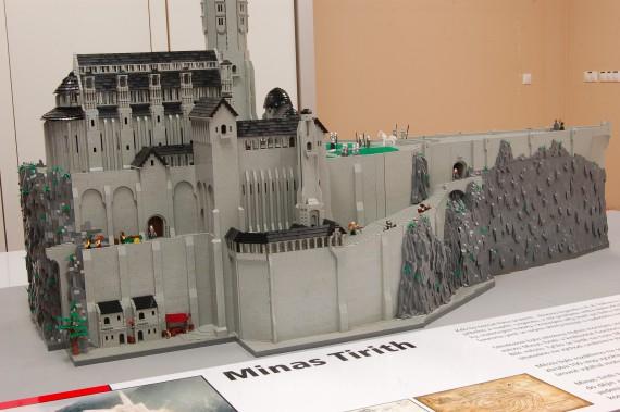 3_1_9_citadelle-minas-tirith-lego