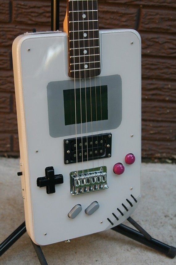 6_1_4_guitare-electrique-game-boy