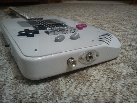 6_1_7_guitare-electrique-game-boy