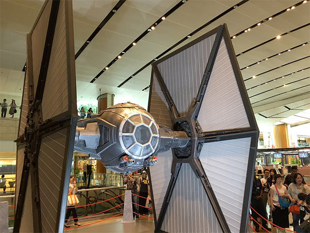 singaporeairportstarwars2