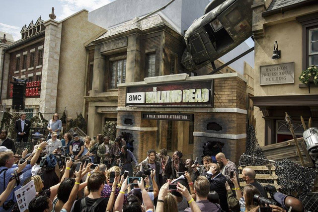 the-walking-dead-attraction-102